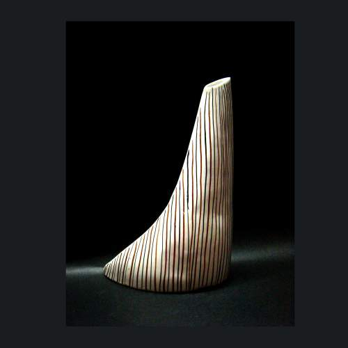 ICAM, (Industria Ceramica Artistica Missier)I.C.A.M.,vaso a virgola, h.cm22,4x16, anni 50