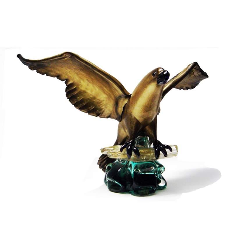 """ALFREDO BARBINI (1912/2007)"""" Aquila"""", vetro massello, base a roccia verde, superficie con oro, h.cm.31,5x51x17, Murano 30/40"""