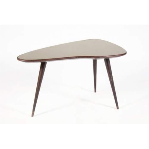 Tavolino basso sagomato in palissando con vetro | tre gambe | cm.95x49x61 | Italia anni '50