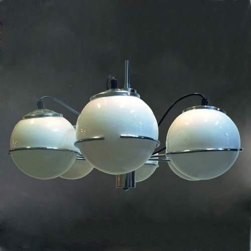 """Targetti  """" Sankye """", lampadario a cinque luci, acciaio, diffusori in vetro lattimo, h. cm.100x60, anni 70, etichetta originale"""