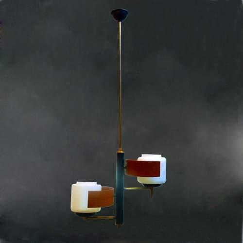 lampadario a due luci, ottone, metallo laccato, tek e diffusori in vetro lattimo satinato, h.cm.93x40, anni 50