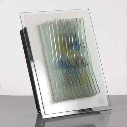 Angelo Barovier, appliques composta da strisce di vetro colorato accostate, su base lattimo, trasparente, cm.34x26x14