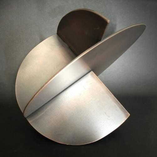 "Thon "" Exsenzial"" scultura in accaio"