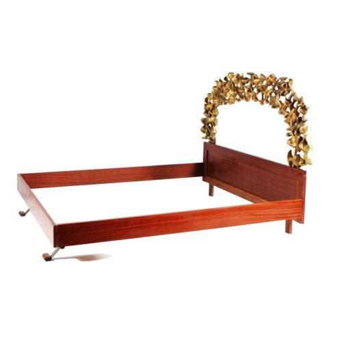 """CLAUDIO TREVI """" Volo """", letto, fusione in alluminio dorato a foglia oro, cm.185x127x200, firmato, ,datato 1965"""