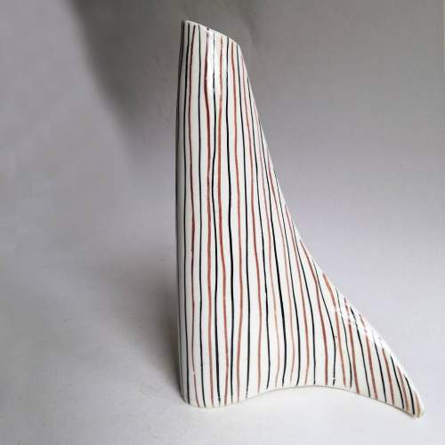 I.C.A.M. (Industria Ceramica Artistica Missier), vaso a virgola, h.cm22,4x16, anni 50
