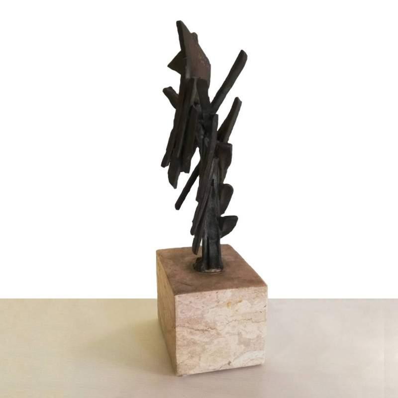 Guido Dragani   Astratto   scultura in bronzo con supporto in marmo bianco   h cm. 24x15x8   anno 1975