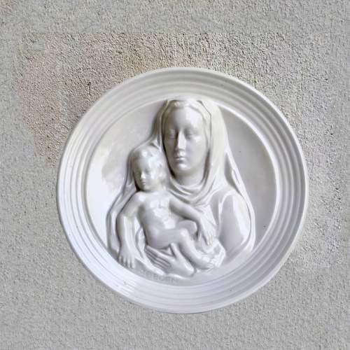 Emile Jacob Born   Bassorilievo raffigurante  madonna con bimbo | diametro 25x25x5,5 | firmata : J.E.Born