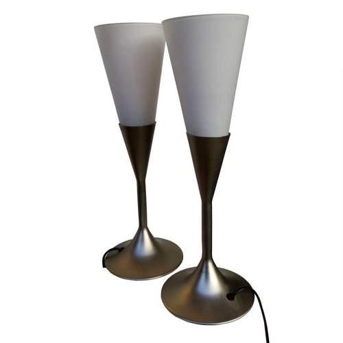 Luci Veneziane  coppia di Lampade in metallo   diffusore conico in vetro bianco satinato