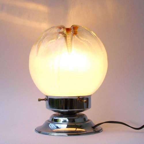 Toni Zuccheri |Due lampade in metallo cromato |diffusore in vetro con sfumature di opalino e giallo con sagomatura irregolare