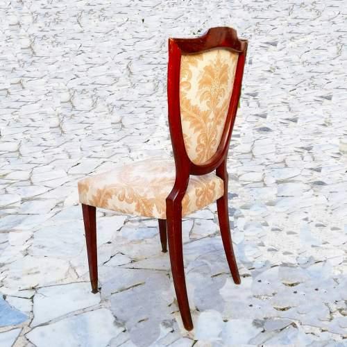 Set di due sedie | legno di noce e tappezzeria | h cm. 95x46x43 – seduta 48 | anno 1935