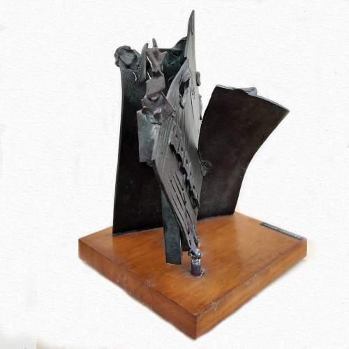 """Guido Dragani, """"Presenze Umane"""", scultura in bronzo patinato, h.cm.35x35x25"""