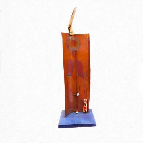 """Guido Dragani, """"Equilibrio"""", scultura in rame,ceramica legno, la base in legno"""