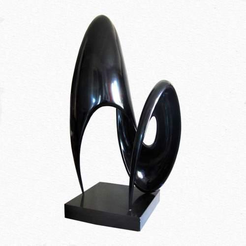 Nereo Petenello,Venere, scultura in resina nera, h.cm.