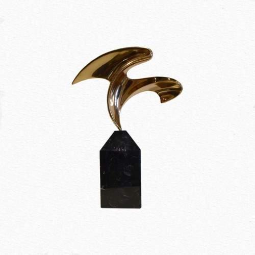 Nereo Petenello, Il Volo, scultura in bronzo, cm.42x36, solo bronzo cm.22, anni 1970