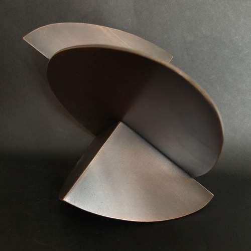 """Thon  """" essential """", scultura in acciaio verniciato bronzato, cm.21x30,5x30,2, firmato e datato 2010"""