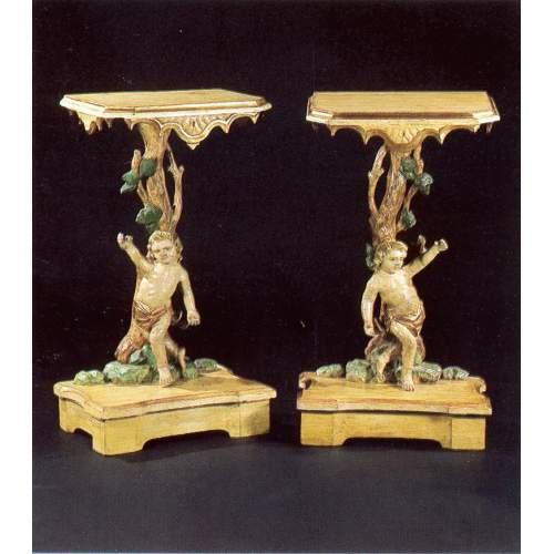 coppia di CONSOLLES in legno scolpito, laccato e dorato, h.cm.99x56x35, Venezia XVIII sec.