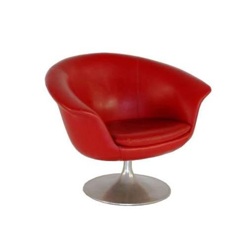 POLTRONA in vinpelle rossa, base in metallo conica, h.cm.65, anni 60/70